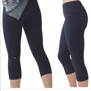 Lululemon Seamless Tights Crop Navy Blue